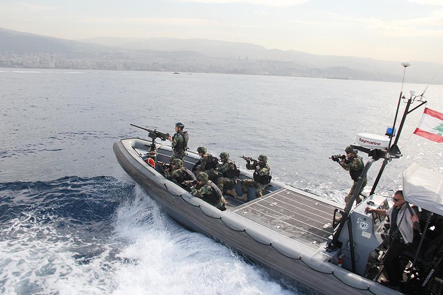 القوات البحريه اللبنانيه Mag-385-131
