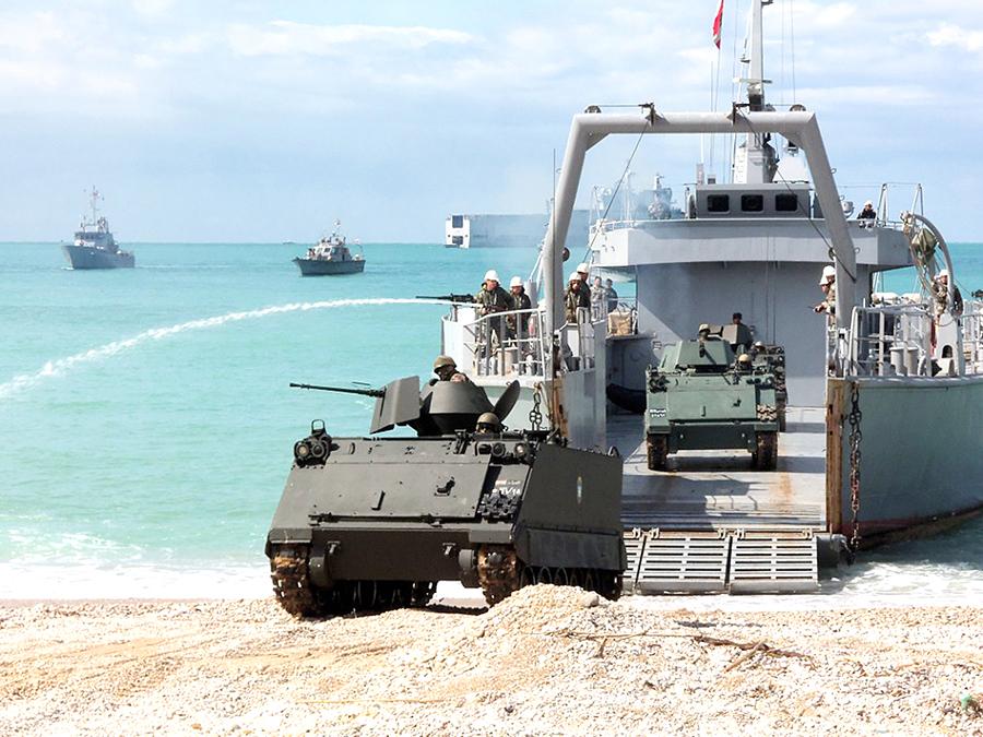 القوات البحريه اللبنانيه Mag-385-151